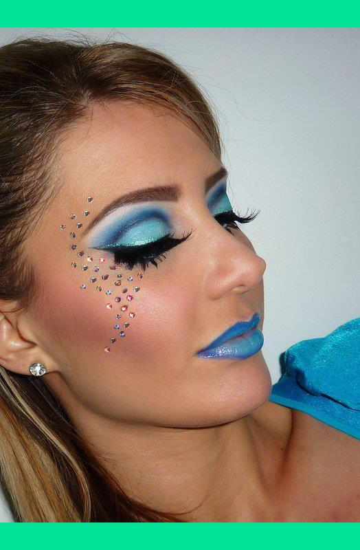 Dramatic Blue Cut Crease Lips Renata
