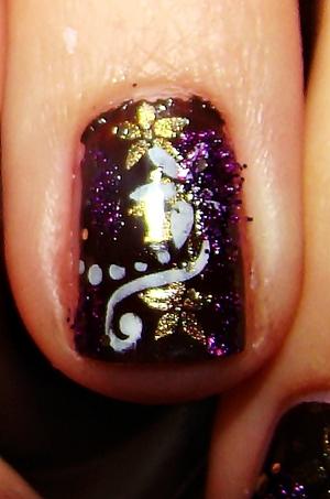 konad and glitter