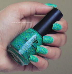 more photos and swatches here: http://littlebeautybagcta.blogspot.com/2013/06/salon-perfect-neon-collision-collection.html