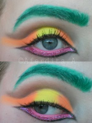 Having fun with neon colours <3 <3