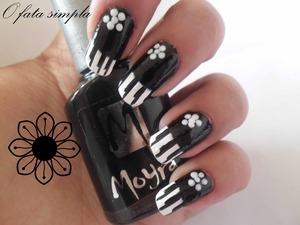 http://o-fata-simpla.blogspot.ro/2013/05/challenge-19-black-white-nails.html