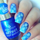 Blue Seashell Nails