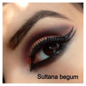 Double wing eyes using mac orange pigment, gold and red..   Follow me on Instagram @sullymalik