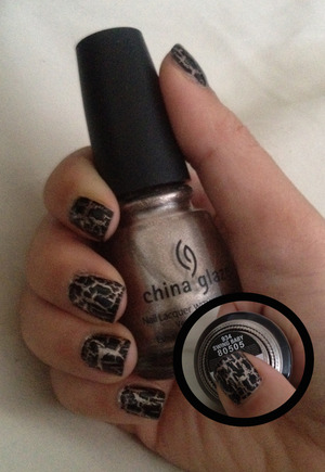 """CG """"Swing Baby"""" and black crackle w/o flash"""