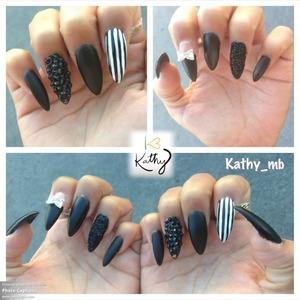 Glitter nail, black matter , black Swarovskis , stripes