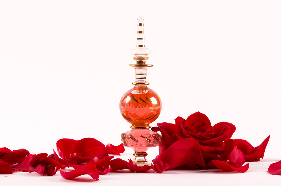 How To Make Your Own Perfume At Home - DIY Natural Rose Perfume