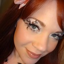 Delicate natural eye using Paperself lashes