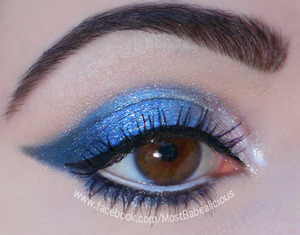 BFTE Cosmetics eyeshadows in Nebula, Miracle and Chantilly Lace. (This look was SO sparkly and fabulous!) Also, Babealicious Cosmetics in Tweedledee Tweedledum, Maybelline Line Stiletto in blackest black, Mega Plush mascara.