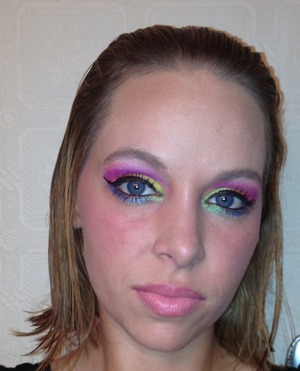 I just love colorful makeup!!