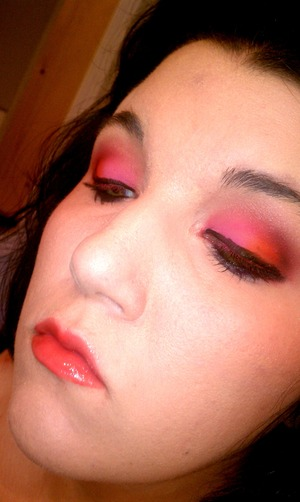 red and pink eye shadow