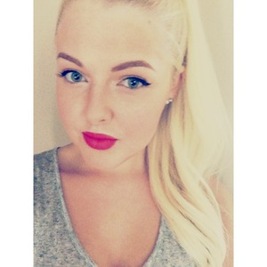 Pink lip and some winged liner! x