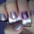 nails violet