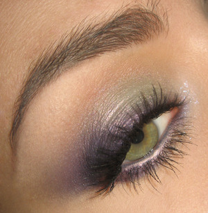 Tutorial for this look is here : http://www.youtube.com/watch?v=zCV3gD-fwd4