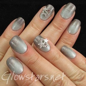 Read the blog post at http://glowstars.net/lacquer-obsession/2015/05/gelish-gradient-using-the-big-chill-and-snowflakes-skyscrapers/