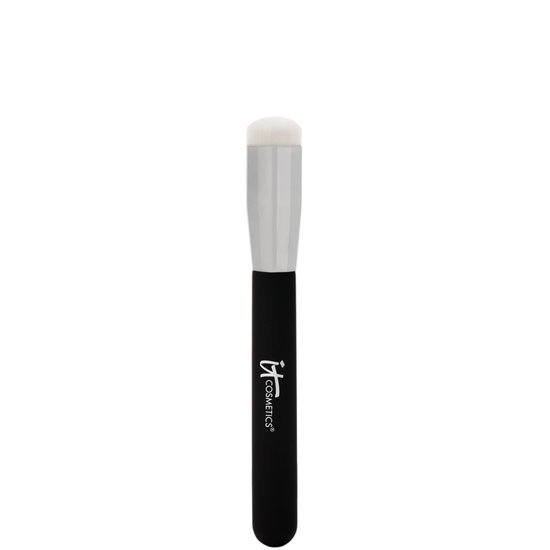 IT Cosmetics  Heavenly Luxe Magic Eraser Brush #15 product smear.