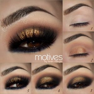 instagram : @auroramakeup FB: https://www.facebook.com/AuroraAmorPorElMaquillaje  Productos Motives by Loren Ridinger http://www.motivescosmetics.com   STEP1 // PASO1 Apply Eye Shadow Base and set all the eyelid with Pressed eye Shadow in VANILLA Aplica la Prebase de sombras de Motives y una capa ligera de la sombra hueso mate VANILLA  STEP2 // PASO2 Mark socket line with Pressed Bronzer in CALIFORNIA GIRL and blend it out with Pressed Eye Shadow in CAPPUCCINO . Cover mobile Eyelid with Eye Candy Creme Eye Shadow in BUTTERSCOTCH Marca la line del globo ocular con el bronceador CALIFORNIA GIRL y difuminalo con la sombra cafe claro mate CAPPUCCINO . Cubre el parpado movil con la sombra en crema BUTTERSCOTCH  STEP3 //PASO3 Use Khol Eyeliner in ONIX to mark  outer sides of the eye connecting them into the crease, line top lashes , waterline and below lower lashes. Set and blend the eyeliner with Pressed Eye Shadow in ONIX Usa el delineador de ojos en lapiz ONIX para marcar las esquinas externas conectandolas en el pliegue medio del ojo, delinea las pestañas superiores, la linea del agua y debajo de las pestañas infeiores. Sella y difumina todo lo delineador con la sombra negra mate ONIX   STEP4 //PASO4 Tap Paint Pot Mineral Eye Shadow in ELLE , apply a little amount of GLITTER POT in MAGIC DUST on top using Glitter Adhesive to stick it . Blend black eye shadow below lower lashes with Pressed Eye Shadow in TWILIGHT. A toquecitos aplica la sombra mineral ELLE , aplica una pequeña cantidad de los brillos MAGIC DUST encima  y usa el pegamento de brillos de motives que es transparente . Difumina la sombra negra debajo del ojo con la sombra azul oscuro mate TWILIGHT   STEP5 // PASO5 Apply false lashes like NOIR FAIRY by House of Lashes, add Lala Mineral Volumizing and Lengthening mascara in BLACK in top and lower lashes. Aplica pestañas postizas como las NOIR FAIRY de  http://www.houseoflashes.com , agrega la mascara negra mineral volumizante y alargadora de motives BLACK
