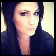 Hairstylist Mua Evie D.