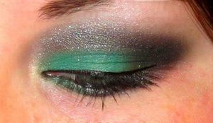 Green and Silver smokey eye!