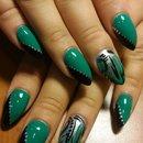 green black and silver nails by SauceC Nailz