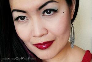 This is a look inspired by Dita Von Teese. You can see the tutorial at http://www.youtube.com/watch?v=dwstnRz3eis
