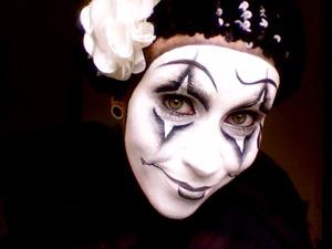 Happy Sad Pierrot the clown ^_^