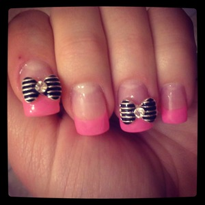 Pink tips with metal bows