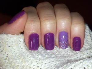 Purple nails with light purple and sparkle flecks accent nail :)