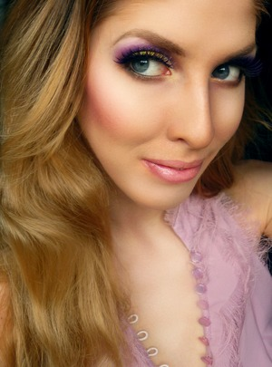 Look using exclusively Anastasia Beverly Hills products which you can win in my $400.00 Anastasia Giveaway! http://www.pigmentsandpalettes.com/2012/01/40000-anastasia-giveaway-four-winners.html