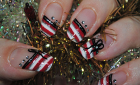 Deck the Halls With a December Manicure