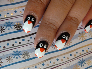 Penguin nails. Tutorial; http://nailsbystephanie.blogspot.com/2011/11/tutorial-penguins.html