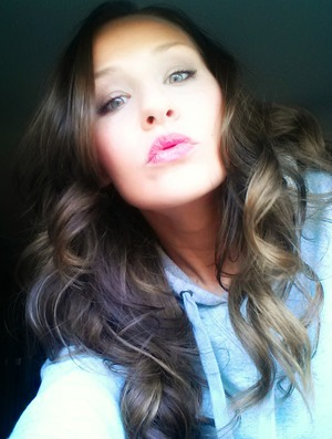 kisses ;-) covergirl lipstick in soulmate