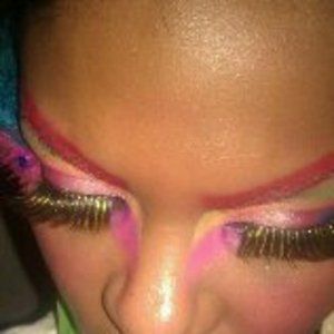 Tropical Eyeshadow for hairshow