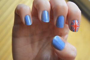 More info: http://enmibolso.com/2012/08/12/unas-con-bandera-de-uk/