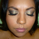 Golden smoky eye