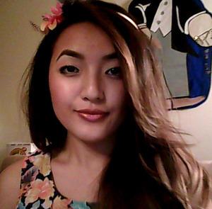 Bronze lipgloss from MAC; Sonia Kashuk eyebrow pencil; brown eyeliner from Rimmel ScandalEyes XOX