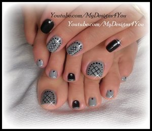 Easy Toenail Art Design | Grey Fishnet Pedicure #mydesigns4you #nailart #nails #toenailart #pedicure #grey #glitter