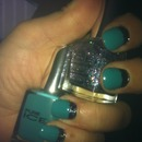 Turquoise/Black Glitter Ruffian
