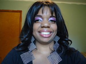 Look with three shades of pink eye shadow.