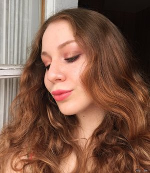 Rose gold - universal, and amazing for Spring!  http://theyeballqueen.blogspot.com/2017/04/wearable-rose-gold-spring-makeup-look.html