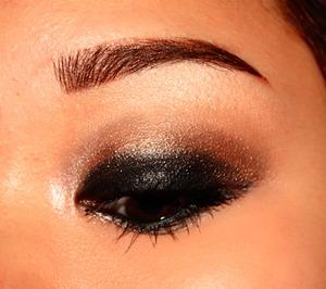 Bronze Smokey Eyes