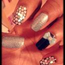 Glitter & Bow Nails