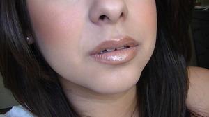 MAC Naturally Lips