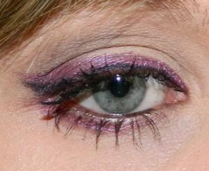 http://mariahlovesmakeup.blogspot.com/2011/11/fotdi-love-purple.html