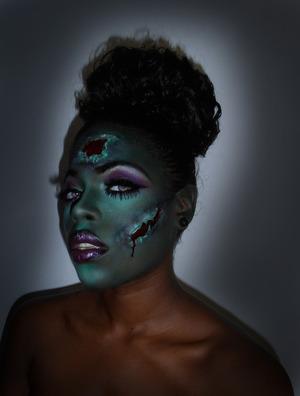 A zombie Halloween look  Follow me on instagram @hautebeatja