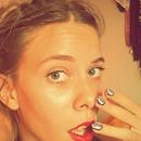 red lips & pop art nails