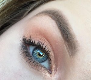 Here is the close up image :)! As you can see it is just a shimmery wash of color which is VERY simple for even beginners to do.  Be sure to check my blog post for clickable links- http://theyeballqueen.blogspot.com/2016/04/everyday-simple-coppery-glam-makeup.html
