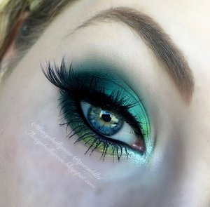 Haven't done a pure green look in quite some time, plus an emerald look was requested so here it goes :)!  The main shade on the lid is Dragon from Urban Decay's Vice 3 Pallet (haven't had time to buy the new one doesn't look to nice IMO, thoughts?)  Full details have been posted-> http://theyeballqueen.blogspot.com/2016/01/dragonfly-smokey-eye-makeup-tutorial.html