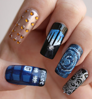 Doctor Who inspired nails. Thumb: TARDIS Index: Dalek Middle: Doctor Who logo Ring: Time vortex Pinky: Gallifreyan writings  http://iloveprettycolours.blogspot.com/2012/03/31-day-challenge-day-twenty-nine.html