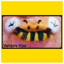 Lip Art : Bumble Bee