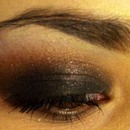 smokey eye with golds